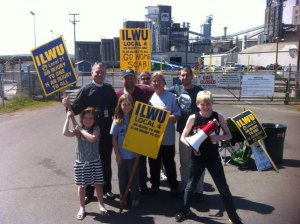 UGC LOCAL 4 picket photo